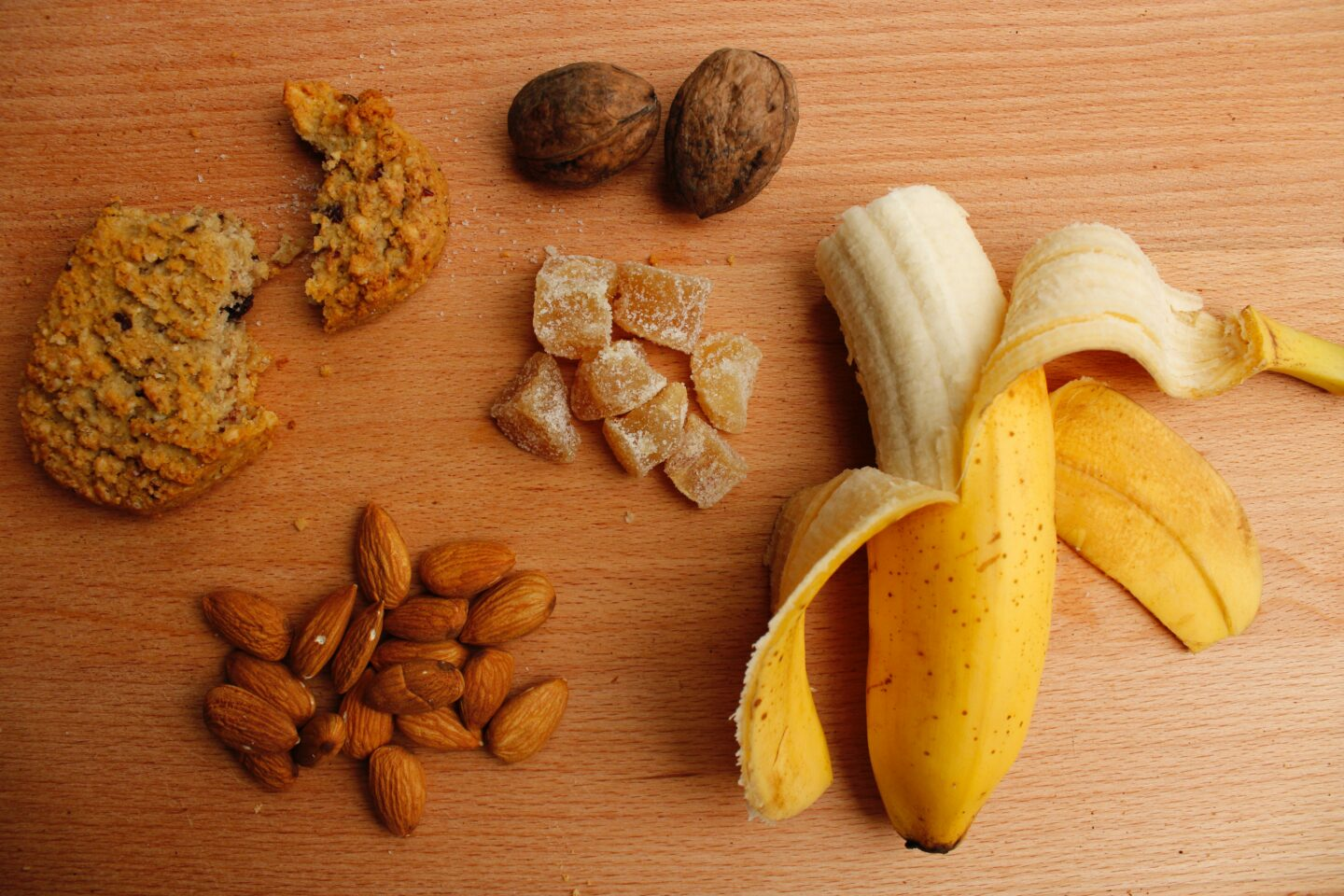 carbohydrate manipulation banana almonds
