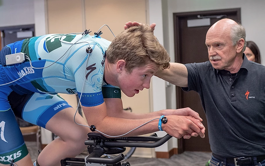 Dr. Andy Pruitt conducts bike fit